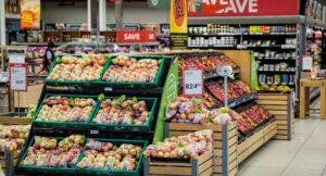 Aufnahme einer Obstabteilung in einem Supermarkt