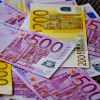 Mehrere Geldscheine gestapelt