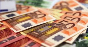 Nahaufnahme von Geldscheinen