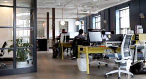 Aufnahme eines hellen Büros