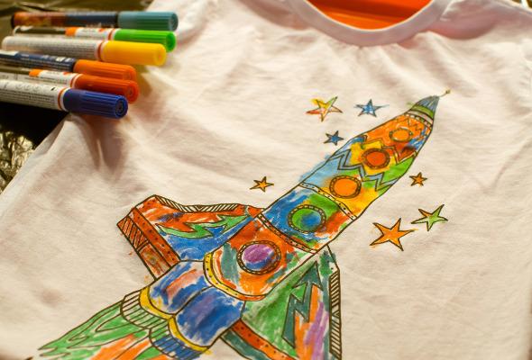 Bemaltes Kinder-Shirt