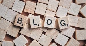 Das Wort Blog wurde aus kleinen Steinchen zusammengesetzt.