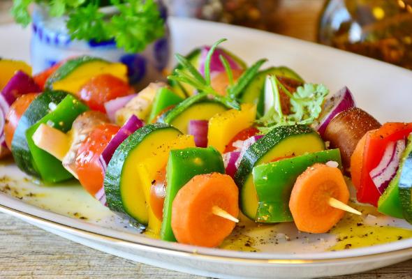 Aufnahme von Gemüsespießen